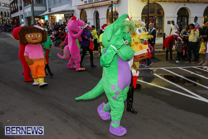MarketPlace-Santa-Parade-Bermuda-November-29-2015-42