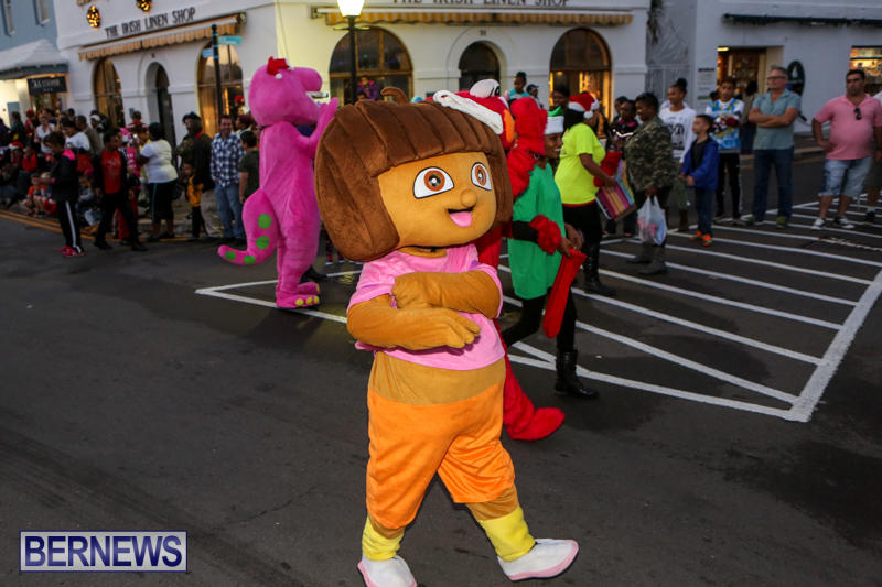 MarketPlace-Santa-Parade-Bermuda-November-29-2015-44