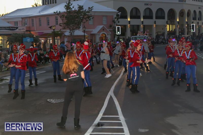 MarketPlace-Santa-Parade-Bermuda-November-29-2015-48