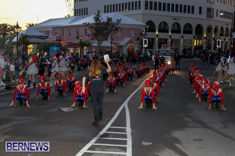 MarketPlace-Santa-Parade-Bermuda-November-29-2015-49