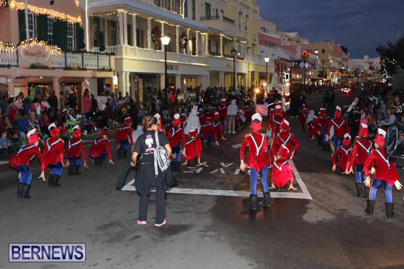 MarketPlace-Santa-Parade-Bermuda-November-29-2015-57