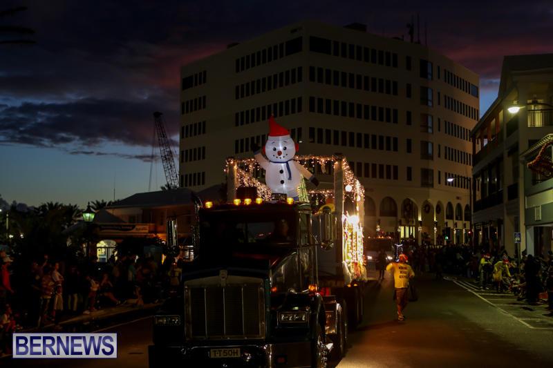 MarketPlace-Santa-Parade-Bermuda-November-29-2015-85
