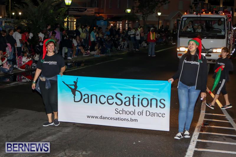 MarketPlace-Santa-Parade-Bermuda-November-29-2015-89