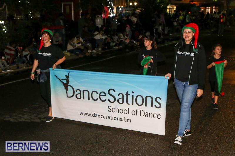 MarketPlace-Santa-Parade-Bermuda-November-29-2015-90