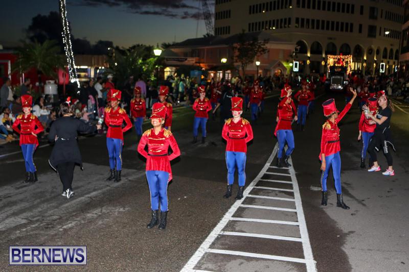MarketPlace-Santa-Parade-Bermuda-November-29-2015-94