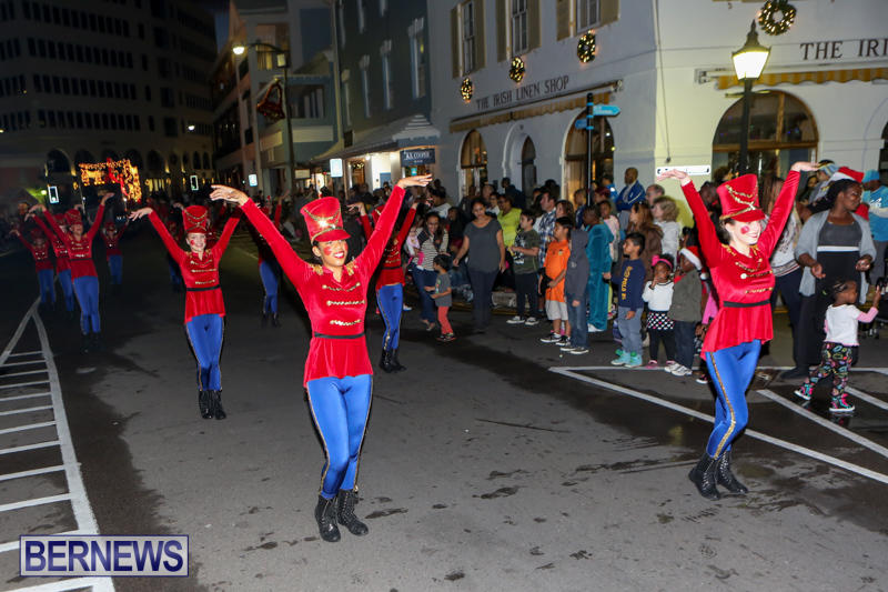 MarketPlace-Santa-Parade-Bermuda-November-29-2015-97