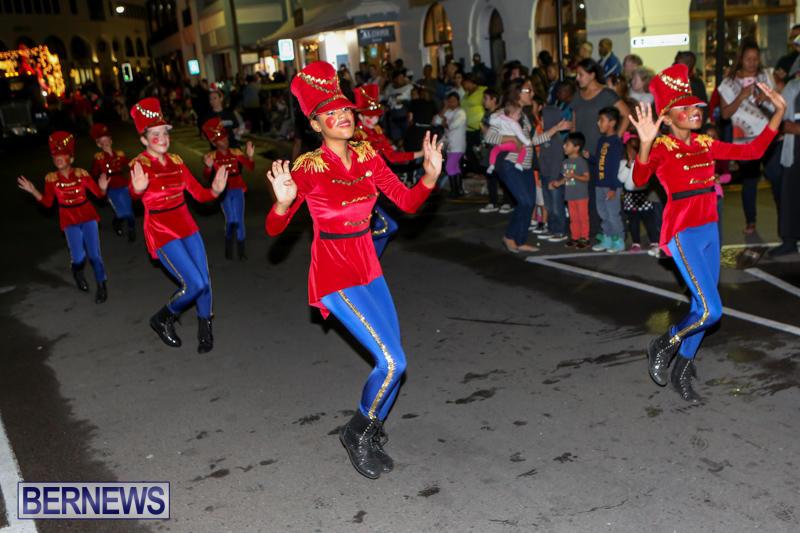 MarketPlace-Santa-Parade-Bermuda-November-29-2015-98
