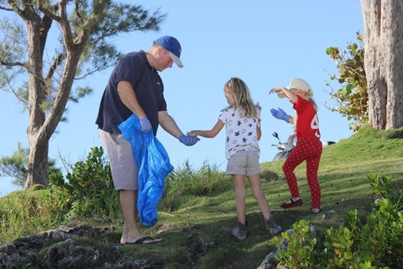 Saltus-Cleanup-Nov-2015-Bermuda-15
