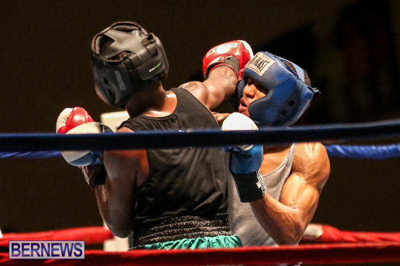 Tyler Christopher vs Kaya Simmons Boxing Bermuda, November 7 2015 (12)