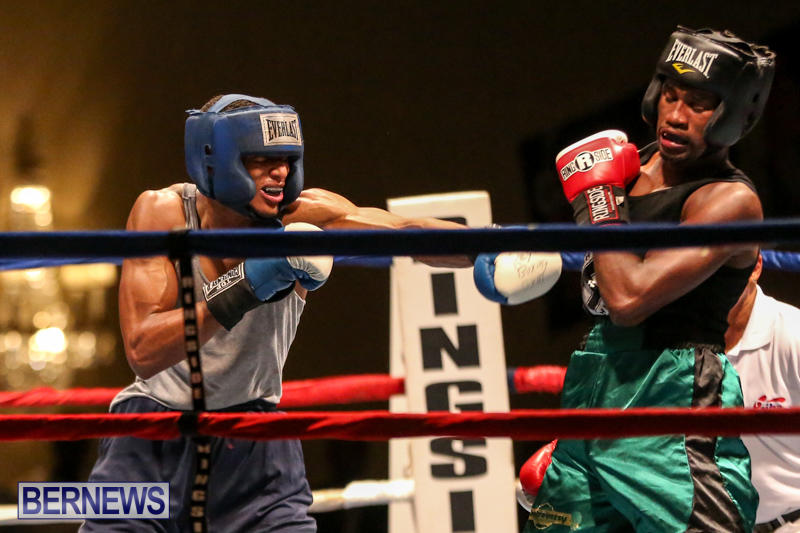 Tyler Christopher vs Kaya Simmons Boxing Bermuda, November 7 2015 (17)