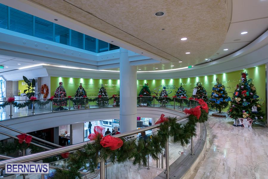 2015-Bermuda-Christmas-Trees-in-Mall-JM-5