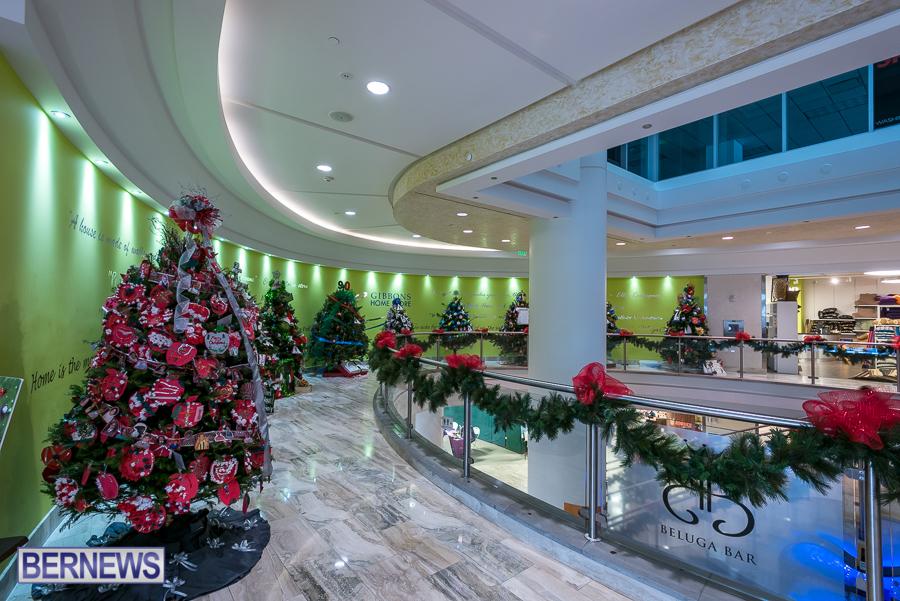 2015-Bermuda-Christmas-Trees-in-Mall-JM-7