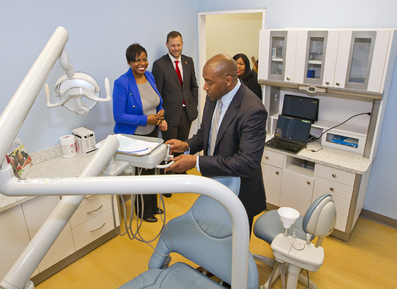 6535_HA_JR_MINISTER_FRESH_BREATH_DENTAL_OPENING_VSR_037 Bermuda Dec 4 2015