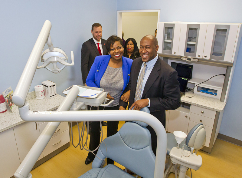 6535_HA_JR_MINISTER_FRESH_BREATH_DENTAL_OPENING_VSR_040 Bermuda Dec 4 2015