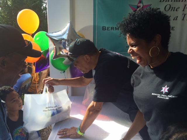 Bermuda-HealthCare-Services-Turkey-Give-Away-Dec-20-2015-8