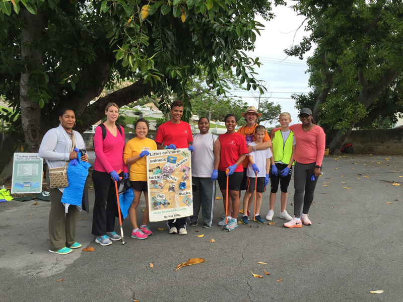 Colonial & KBB Teamed Up To Help Clean Up Bermuda Dec 3 2015 (1)