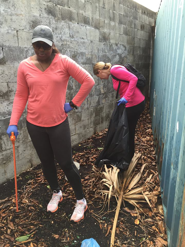 Colonial & KBB Teamed Up To Help Clean Up Bermuda Dec 3 2015 (2)