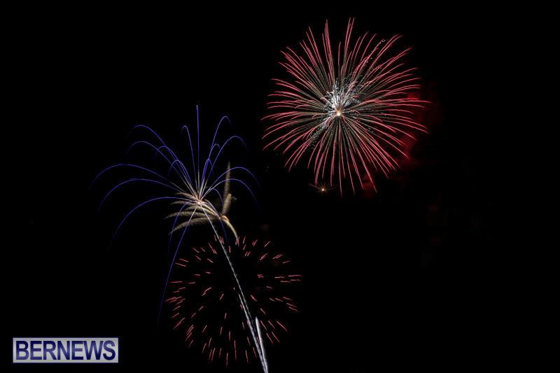 Fireworks-At-Boat-Parade-Bermuda-December-12-2015-2