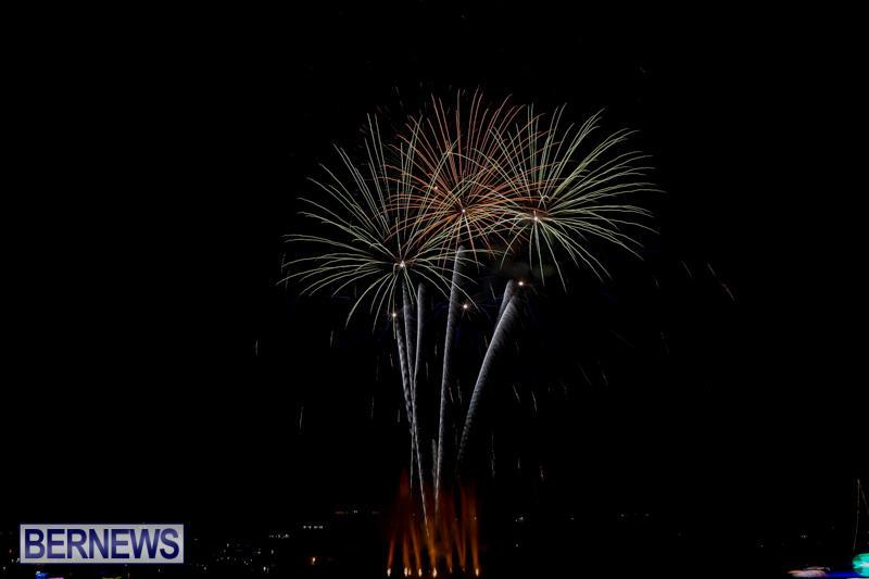 Fireworks-At-Boat-Parade-Bermuda-December-12-2015-4