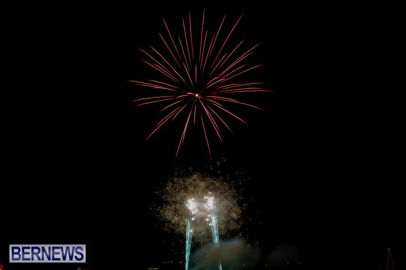 Fireworks-At-Boat-Parade-Bermuda-December-12-2015-5