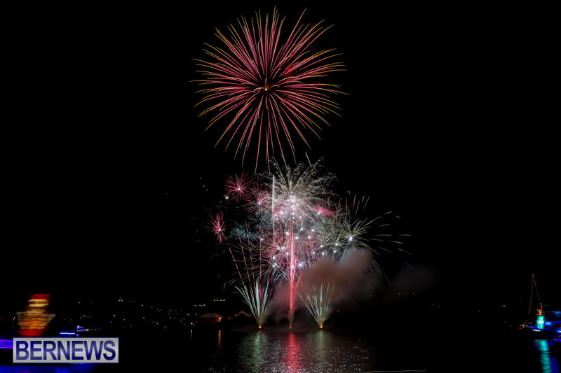 Fireworks-At-Boat-Parade-Bermuda-December-12-2015-6