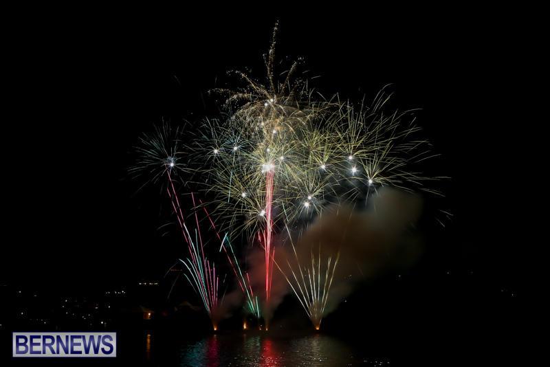 Fireworks-At-Boat-Parade-Bermuda-December-12-2015-7