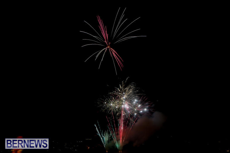 Fireworks-At-Boat-Parade-Bermuda-December-12-2015-8