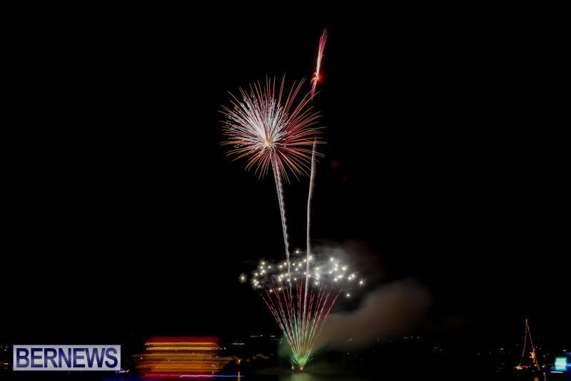 Fireworks-At-Boat-Parade-Bermuda-December-12-2015-9