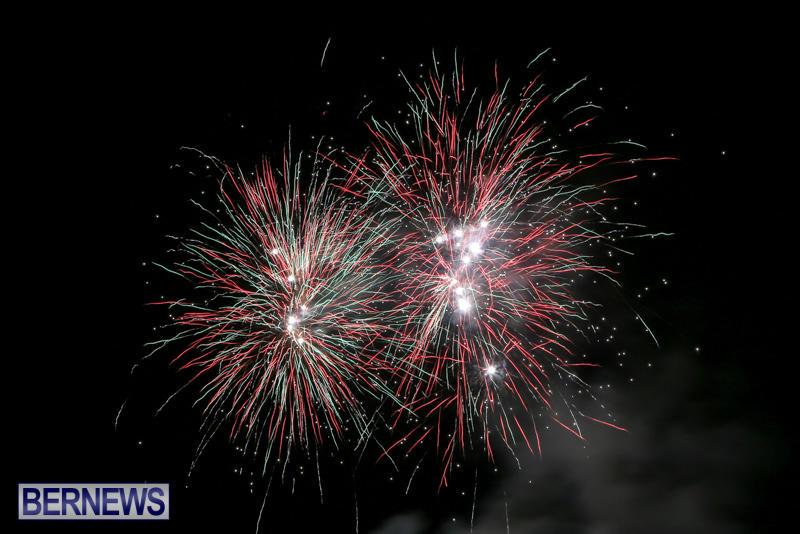 Fireworks-At-Christmas-Boat-Parade-Bermuda-December-12-2015-1