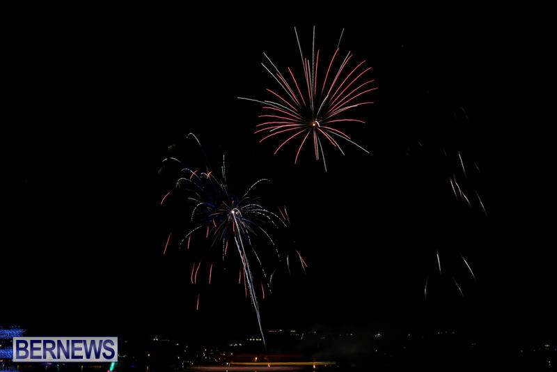 Fireworks-At-Christmas-Boat-Parade-Bermuda-December-12-2015-13