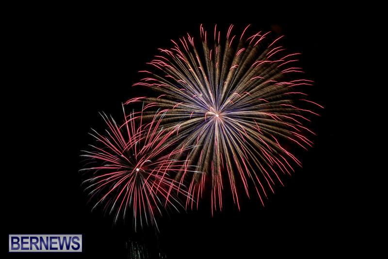 Fireworks-At-Christmas-Boat-Parade-Bermuda-December-12-2015-15