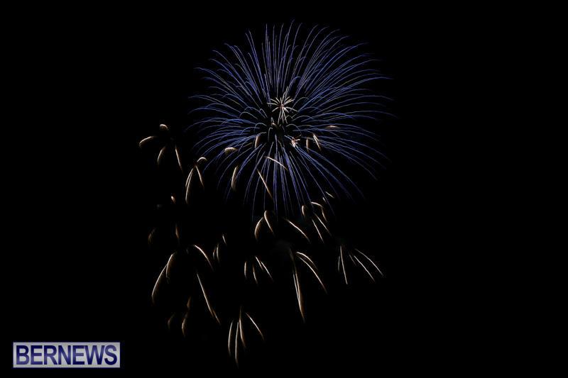 Fireworks-At-Christmas-Boat-Parade-Bermuda-December-12-2015-16