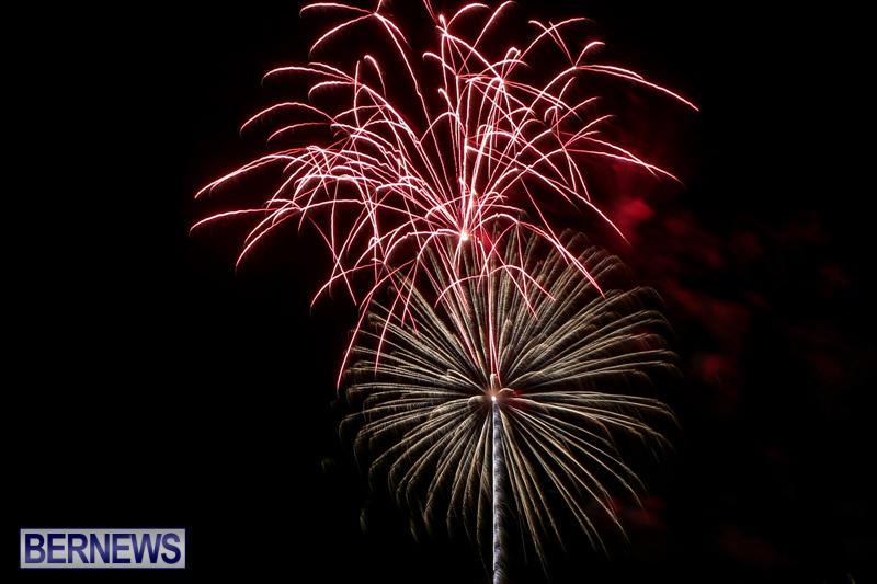 Fireworks-At-Christmas-Boat-Parade-Bermuda-December-12-2015-23