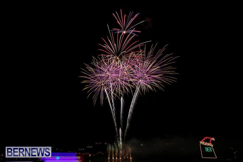 Fireworks-At-Christmas-Boat-Parade-Bermuda-December-12-2015-26