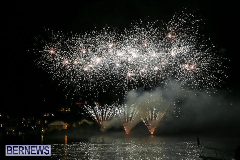 Fireworks-At-Christmas-Boat-Parade-Bermuda-December-12-2015-29