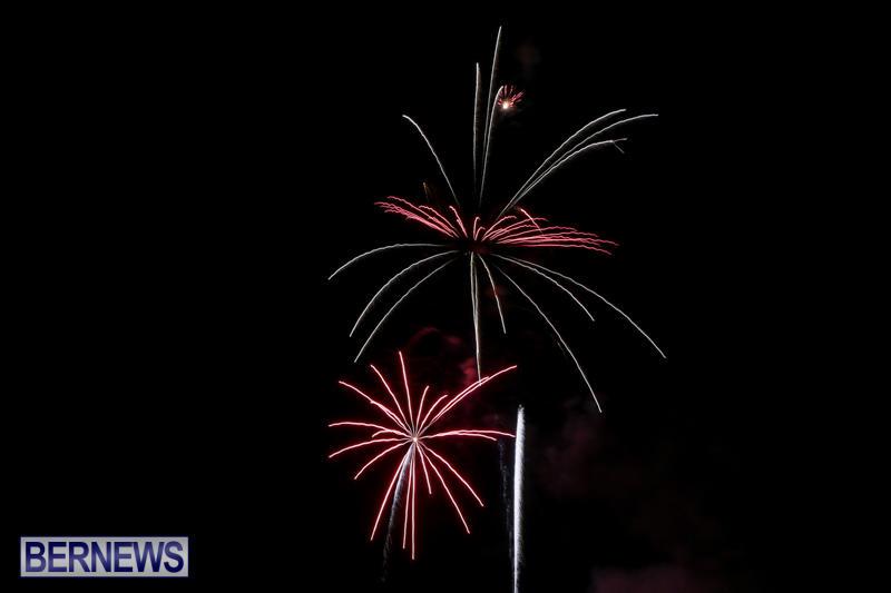 Fireworks-At-Christmas-Boat-Parade-Bermuda-December-12-2015-3