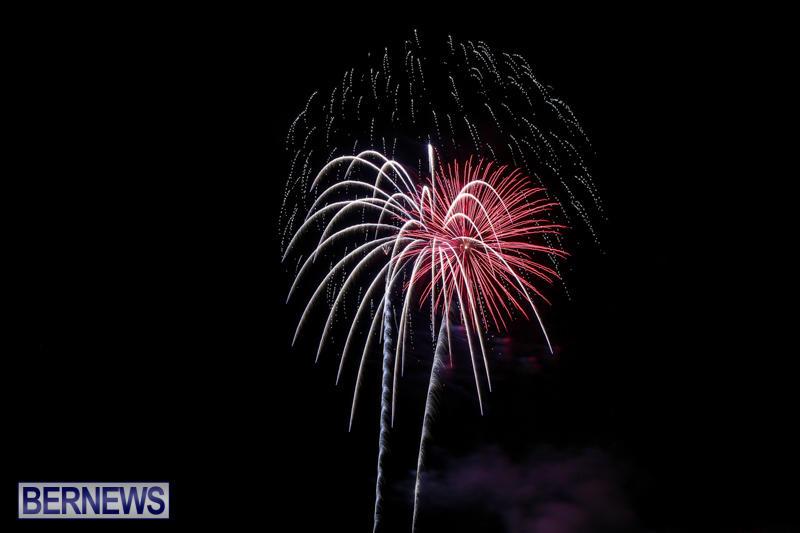 Fireworks-At-Christmas-Boat-Parade-Bermuda-December-12-2015-34
