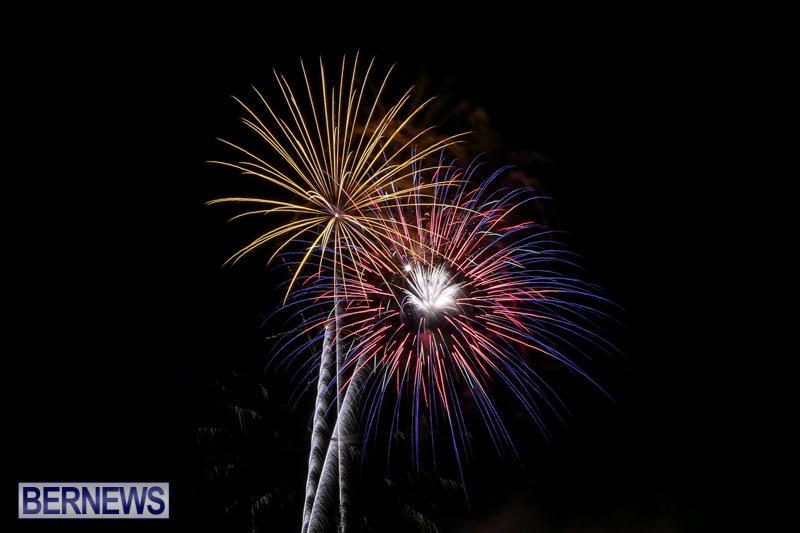 Fireworks-At-Christmas-Boat-Parade-Bermuda-December-12-2015-35