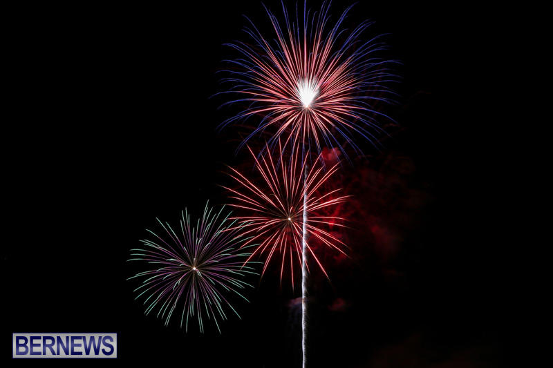 Fireworks-At-Christmas-Boat-Parade-Bermuda-December-12-2015-37