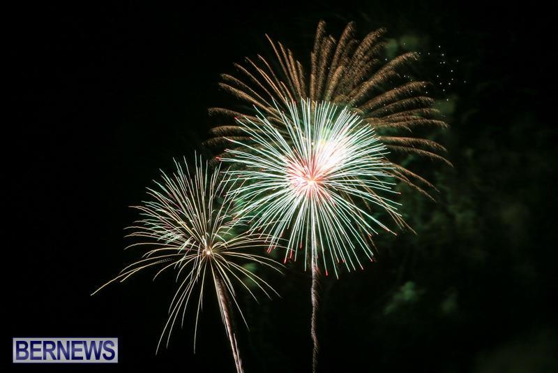Fireworks-At-Christmas-Boat-Parade-Bermuda-December-12-2015-39