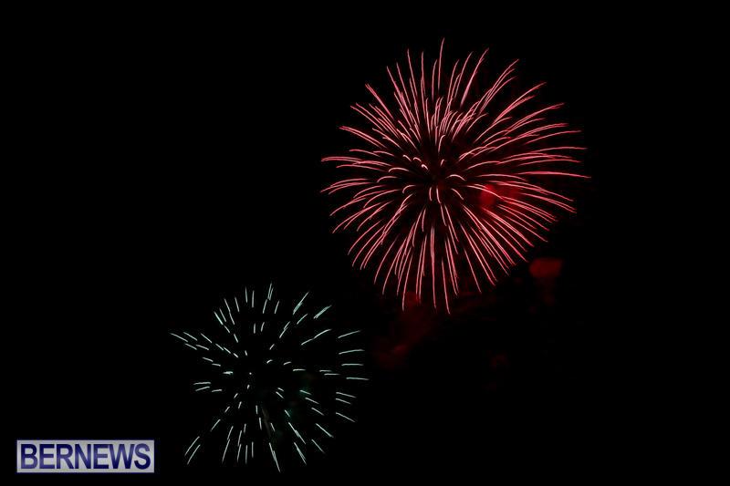 Fireworks-At-Christmas-Boat-Parade-Bermuda-December-12-2015-40