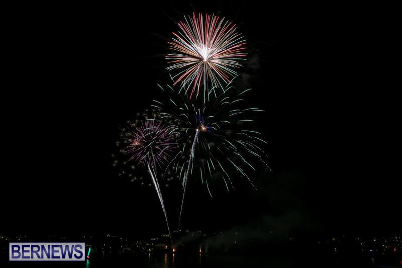 Fireworks-At-Christmas-Boat-Parade-Bermuda-December-12-2015-5