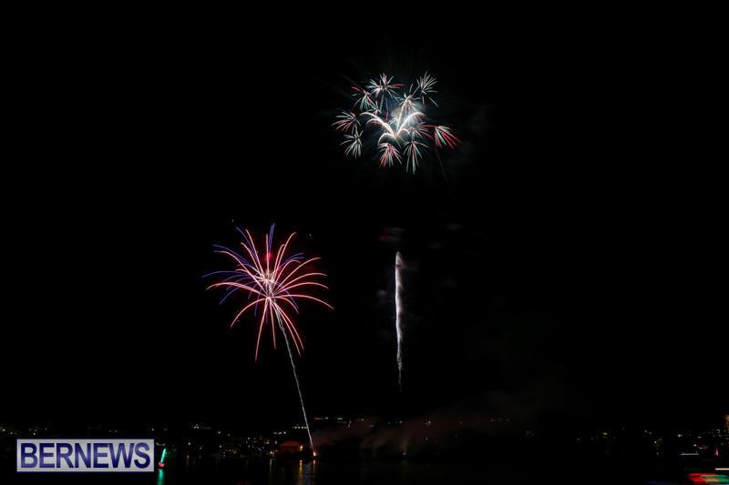 Fireworks-At-Christmas-Boat-Parade-Bermuda-December-12-2015-6