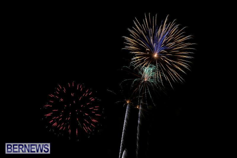 Fireworks-At-Christmas-Boat-Parade-Bermuda-December-12-2015-9