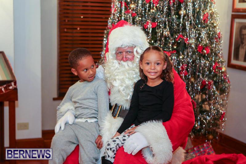 Santa-Claus-In-St-Georges-Bermuda-December-5-2015-11