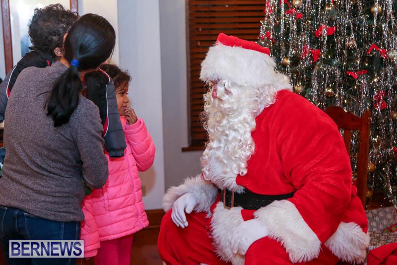 Santa-Claus-In-St-Georges-Bermuda-December-5-2015-20