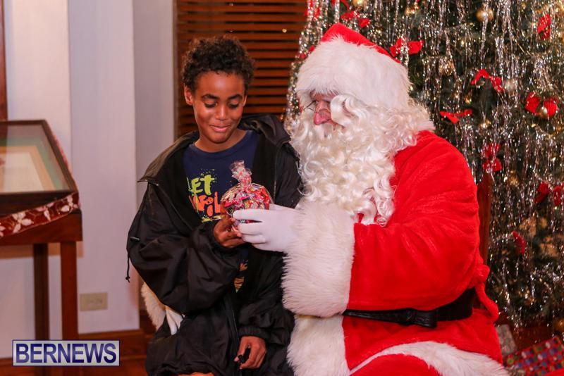 Santa-Claus-In-St-Georges-Bermuda-December-5-2015-23