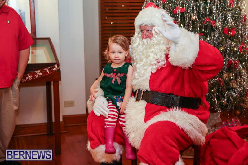 Santa-Claus-In-St-Georges-Bermuda-December-5-2015-3