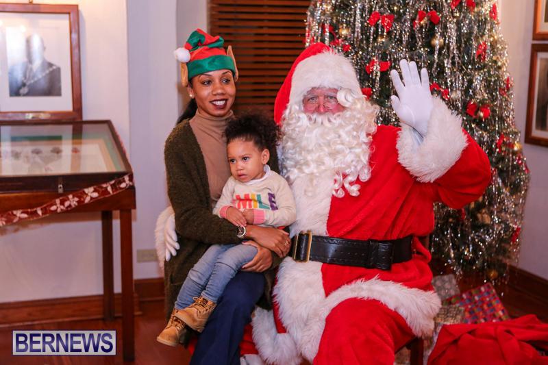 Santa-Claus-In-St-Georges-Bermuda-December-5-2015-31