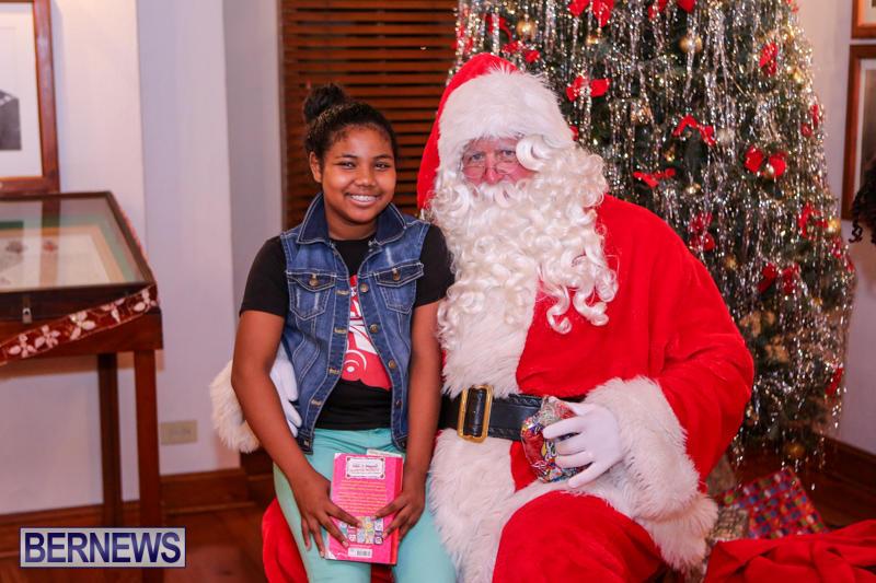 Santa-Claus-In-St-Georges-Bermuda-December-5-2015-34